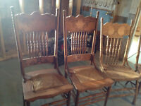 Antique solide table and 5 chairs