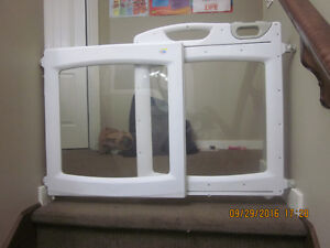 Great Gate For Sale - Expandable and Fits into Most Doors. Edmonton Edmonton Area image 2
