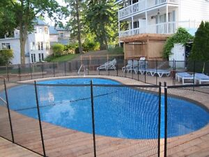 Safety mesh pool fence