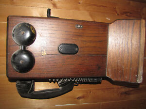 old antique original wood  telephone complete