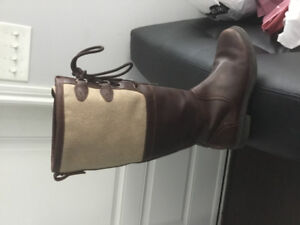 EUC Brown leather tall UGG Boots
