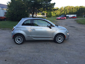 2012 Fiat 500 Leather Coupe (2 door)