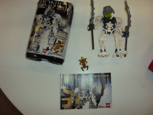 Bionicle: Takanuva (complete with booklet and canister)