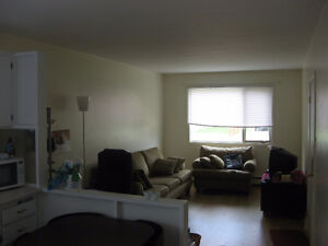 All Incl.1-Bed.Apt.Jones Lake/July 1st/ Apt.1-Ch. Tout Inclu