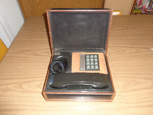 Retro Phone In A Box