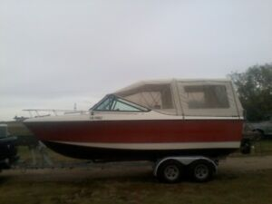 Silverline Nantucket cuddycabin 22ft rebuilt 5.7 with 2hr on it