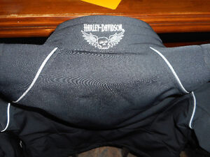 Womens Harley Davidson jacket. Size large