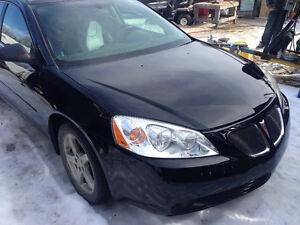PRICE REDUDCED - 2005 Pontiac G6 - LOW KM ENGINE & NEW PAINT!!