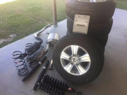 Toyota Land Cruiser GXL 200 series brand new wheels
