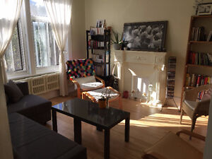 Room to rent in large 2-bedroom Apt - Outremont - Oct 1 Flexible