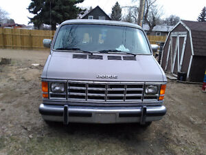 1989 Dodge Power Ram 2500 wheelchair van Minivan, Van