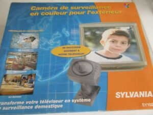 Weatherproof Colour video security camera/Camera de surveillance