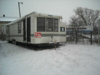 1989 SUMMIT 37' COBRA TRAILER WITH TWO POPOUTS