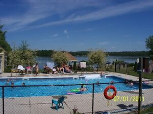 WATERFRONT - PARK MODEL 2 BEDROOM 12X44 WITH 12X8 PORCH Peterborough Peterborough Area image 8