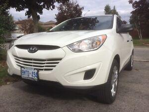 2012 Hyundai Tucson.  low km & price