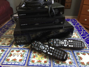 Shaw HD Gateway PVR, 2 Portals, 2 remotes, cables