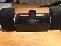 iPad 2 Iluv speakers