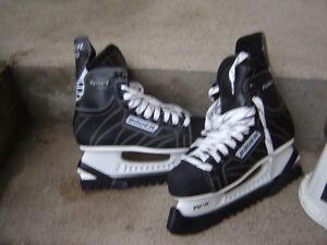 ITECH CCM BOY'S SKATES(SIZE 3)/ANTIQUE JACKSON SKATES/BAUER SKAT London Ontario image 3