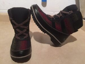 Women's Sorel Waterproof Winter Boots Size 8
