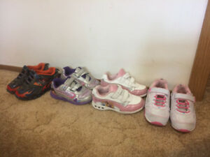 Kids shoes /runner size 10-11