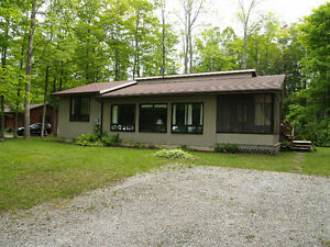 4 SEASON COTTAGE IN GREAT CONDITION