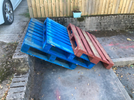 3 free pallets - please collect