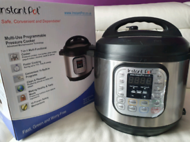 INSTANT POT Multiuse Programmable 7-in-1 Pressure Cooker