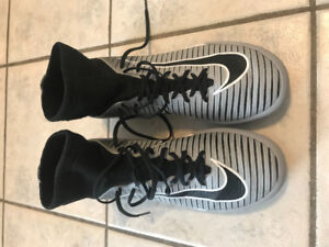0de33ec66ab Nike Mercurial X indoor soccer shoes - size 4 youth