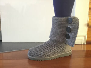 UGG bottes classic cardy grise