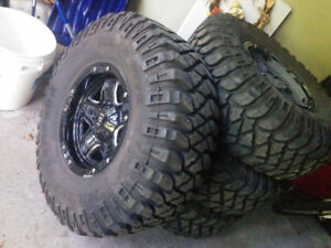4 Mickey Thompson BAJA MTZ 37X12 50R17LT M S