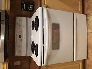 Stove/range works great condition 9 out of 10 urgent