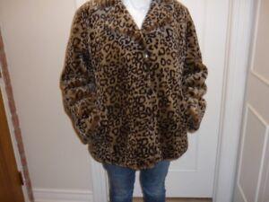 Manteau de  fourrure  synthétique, motif léopard