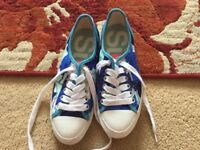 Superdry ladies trainers size 7