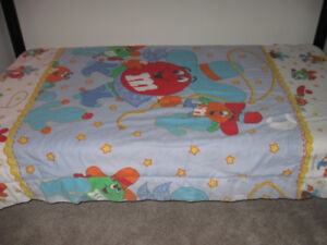 M & M BED SPREAD BLANKET