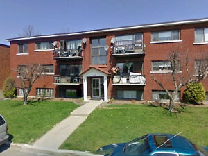 2 Bdrm Beechwood Montreal Rd Parking included June 1st