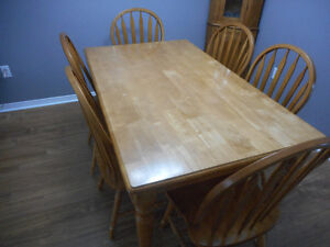 7 Pc Wooden Dining Set