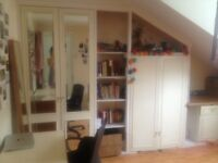 Sunny room in fun shared house in Camberwell available for one month