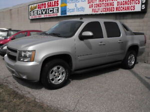 2009 AVALANCHE LT  96000 KMS  A MUST SEE TRUCK  SALE