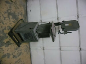 14 band saw  Busy Bee damaged