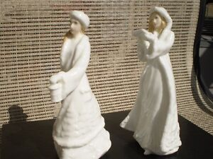 2-Royal Doulton Figurines- Christmas Carols & Christmas Lantern Kitchener / Waterloo Kitchener Area image 2