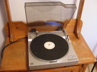 VINTAGE JVC L-E3 AUTOMATIC DIRECT DRIVE LINEAR TRACKING TURNTAB