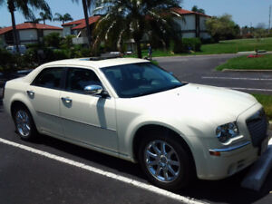 2010 Chrysler 300-Series LIMITED Sedan only  71,000 klm;s