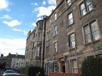 2 bedroom flat in Bellevue Street, New Town, Edinburgh, EH7 4BX