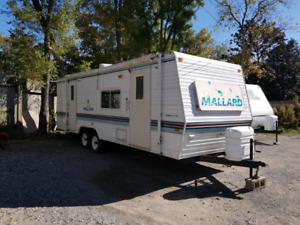 28Ft Fleetwood Mallard One Owner 2003 Ready To Tow!