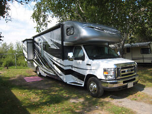 Whole Rig!! Awesome 31 ft C-Class Motorhome and CAR!