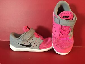 "NIKE Girl's Pink ""Stelos"" Running Shoes - Size 8C"