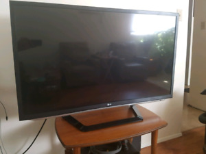 LG 48in LED TV with 3D display