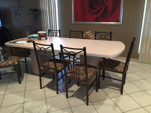 Large kitchen table/Chairs/Bar Stools