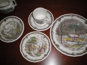 Vintage Set of Shakespeare Sonnet Dishes