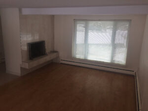 GORGEOUS 3 BEDROOM APARTMENT!!! HEAT INCLUDED!!!